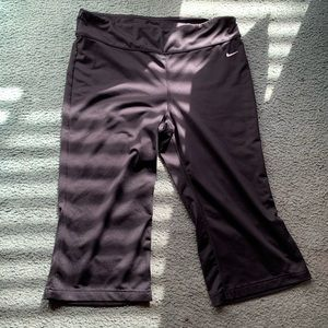 Nike Workout Pants Size Large (EUC)